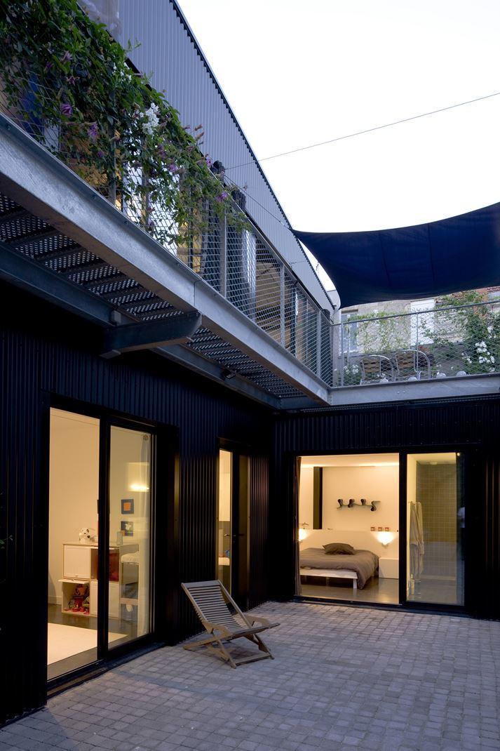 Uno spazio industriale trasformato in una casa for Aprire i piani casa artigiano concetto