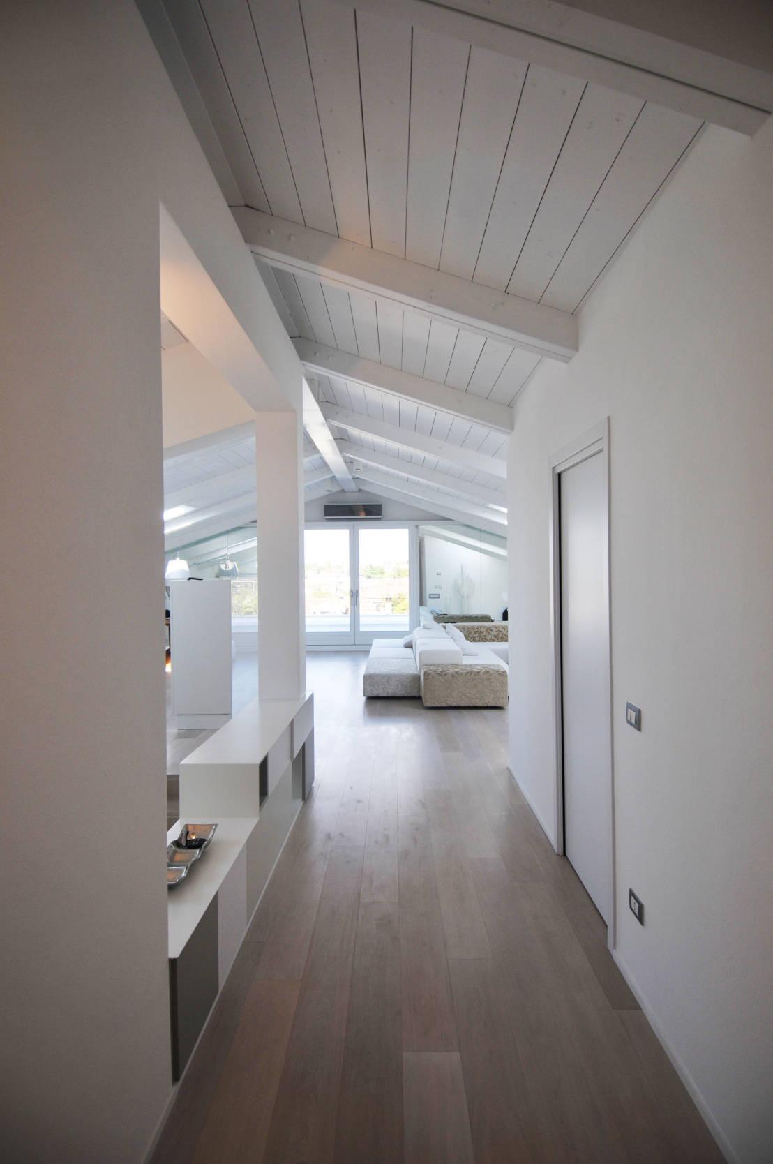 Come rinnovare un tetto in legno for Modificare casa