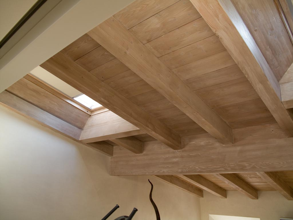 Legno Naturale Sbiancato : Come rinnovare un tetto in legno mansarda