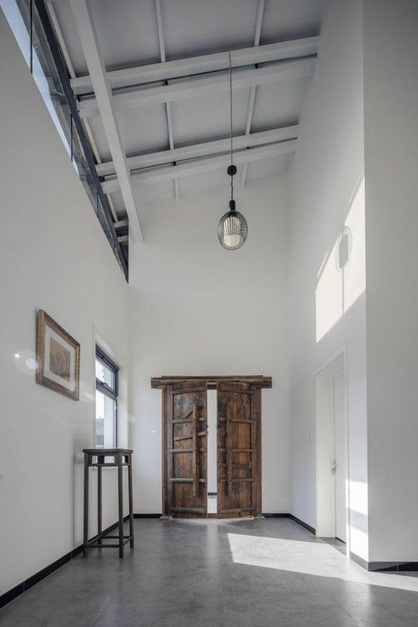 Foto mansarde idee e ispirazioni for Design contemporaneo capannone