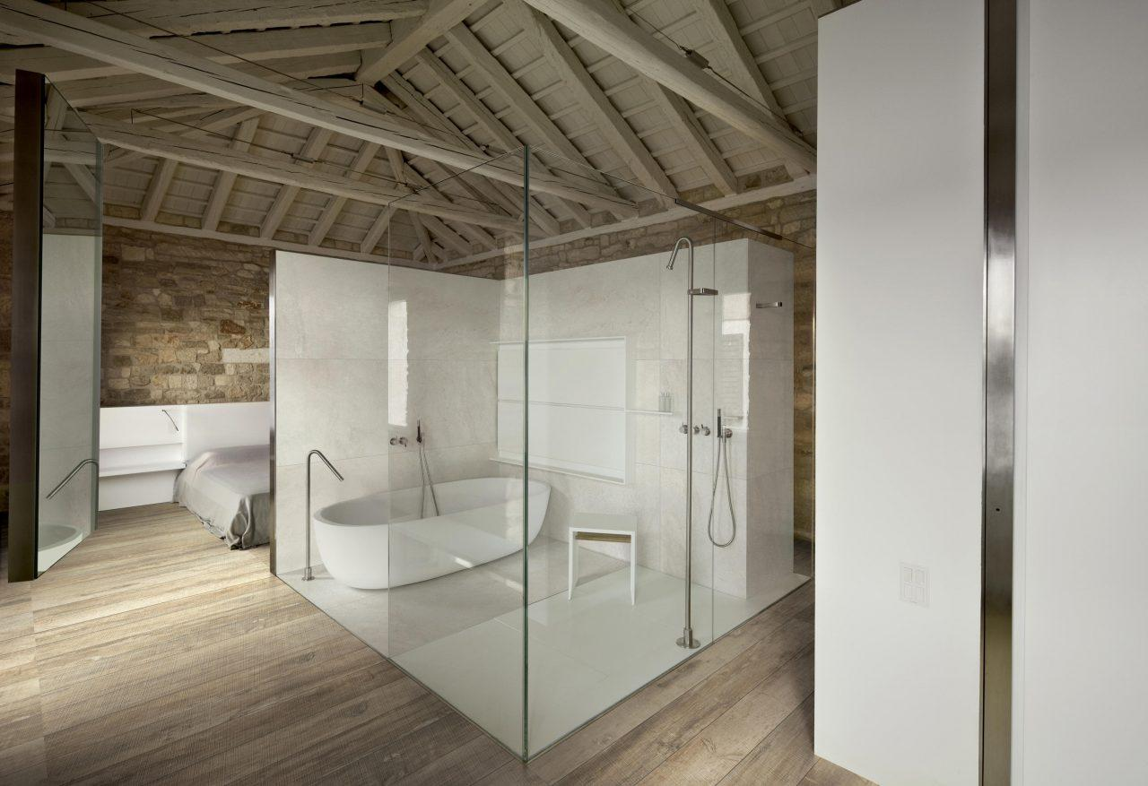Copertura In Legno Bianco : Come rinnovare un tetto in legno mansarda.it