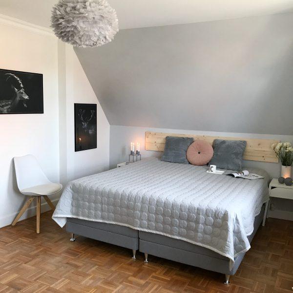 Una camera su toni del grigio