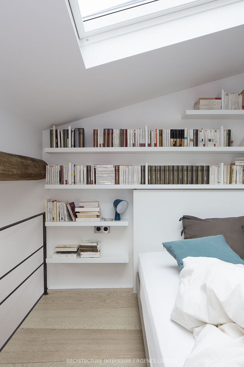 Come arredare camere da letto dal soffitto basso for Camere da letto basso costo