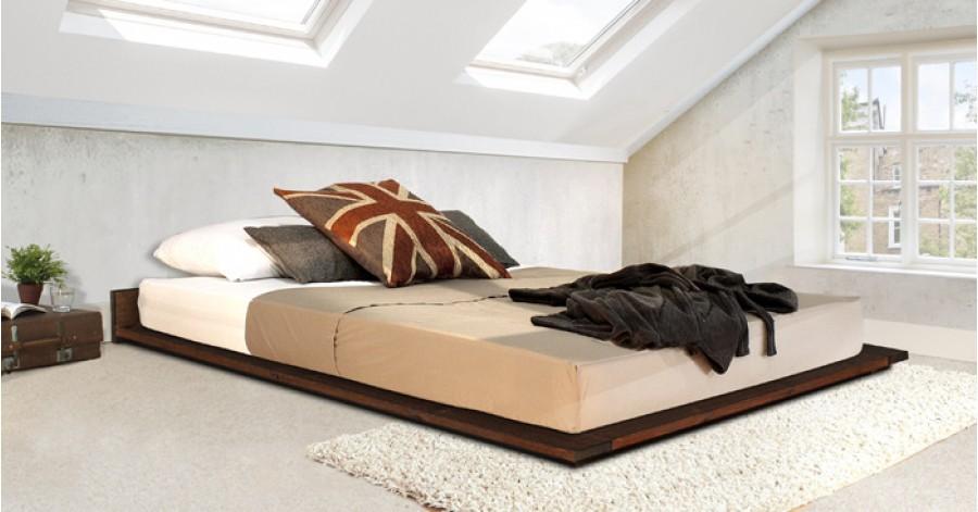 Camera con letto basso