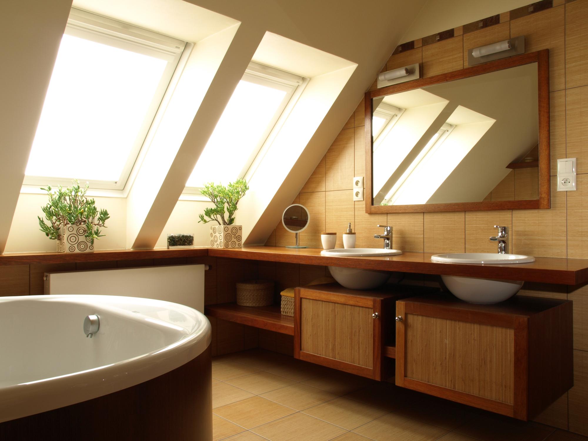 Idee per un nuovo bagno in mansarda - Idee per rivestire un bagno ...