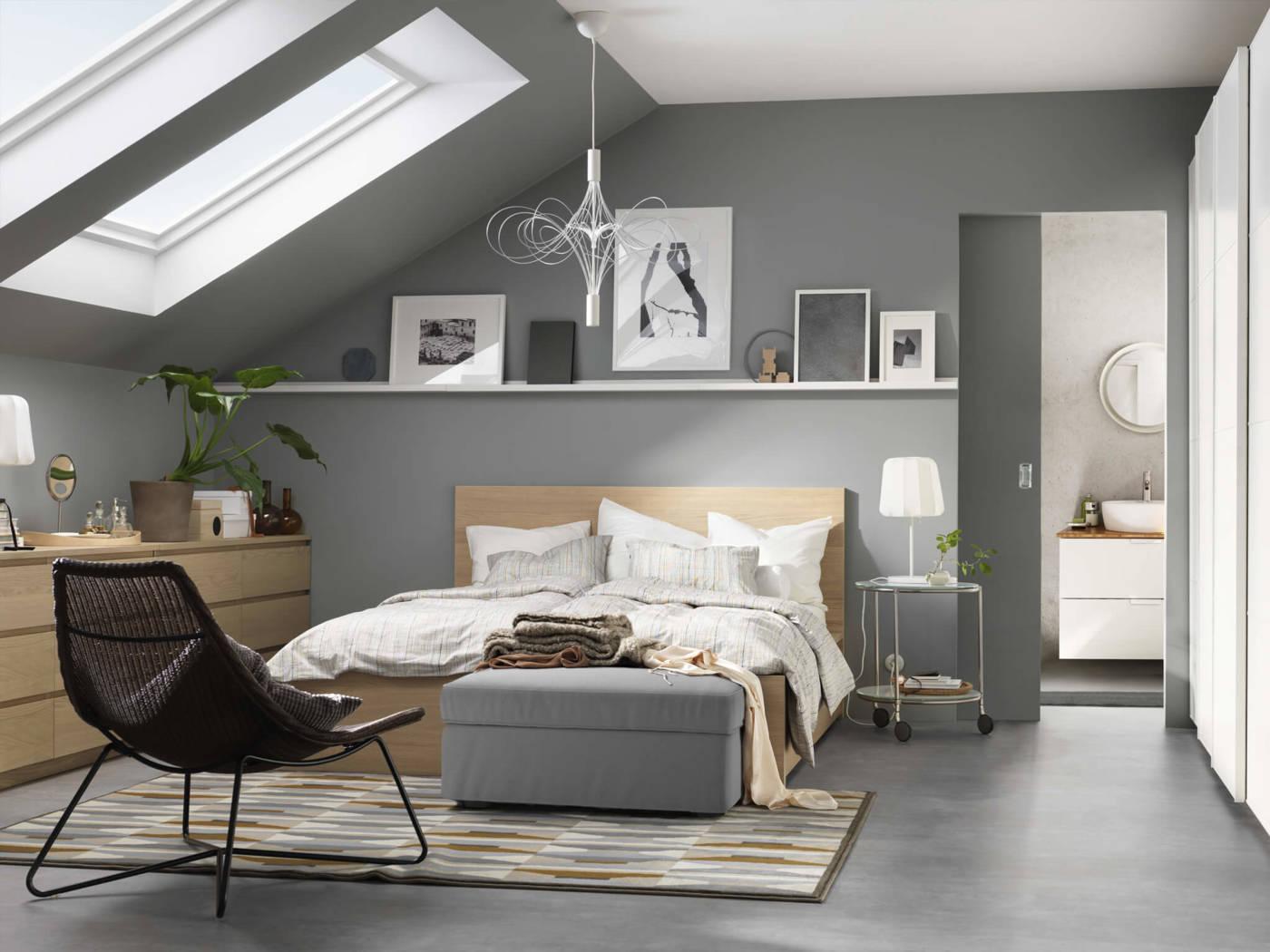 Stanza grigio e legno