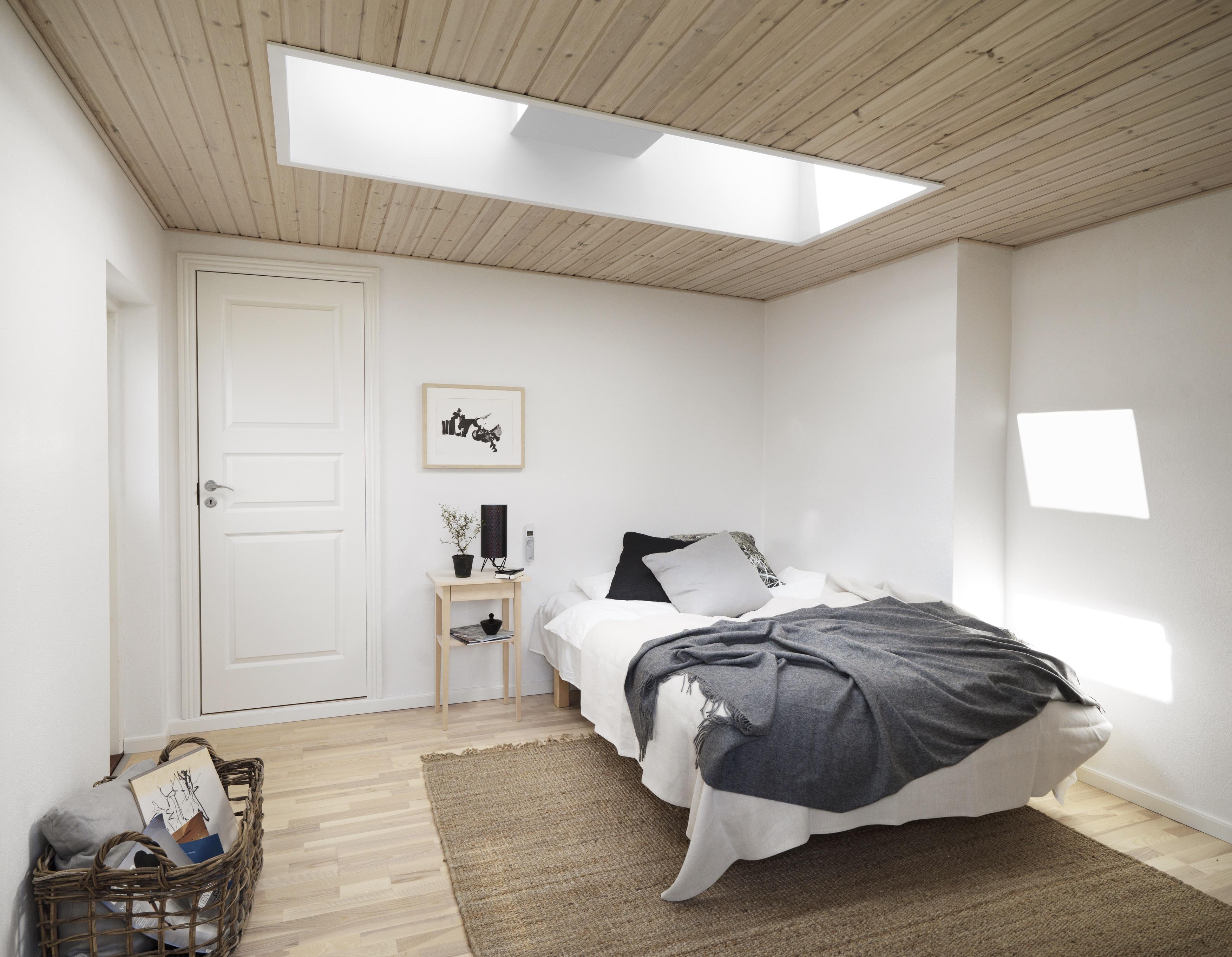 Da uno studio buio a una stanza piena di luce for Piani di una camera per gli ospiti