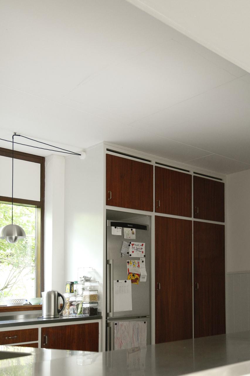 Come aggiungere una finestra con vetro curvo su un tetto - Montare una finestra ...