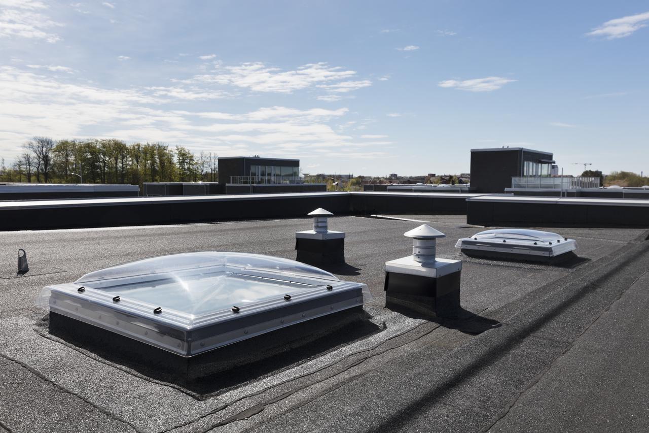 Come scegliere una finestra per tetti piani for Velux tetti piani