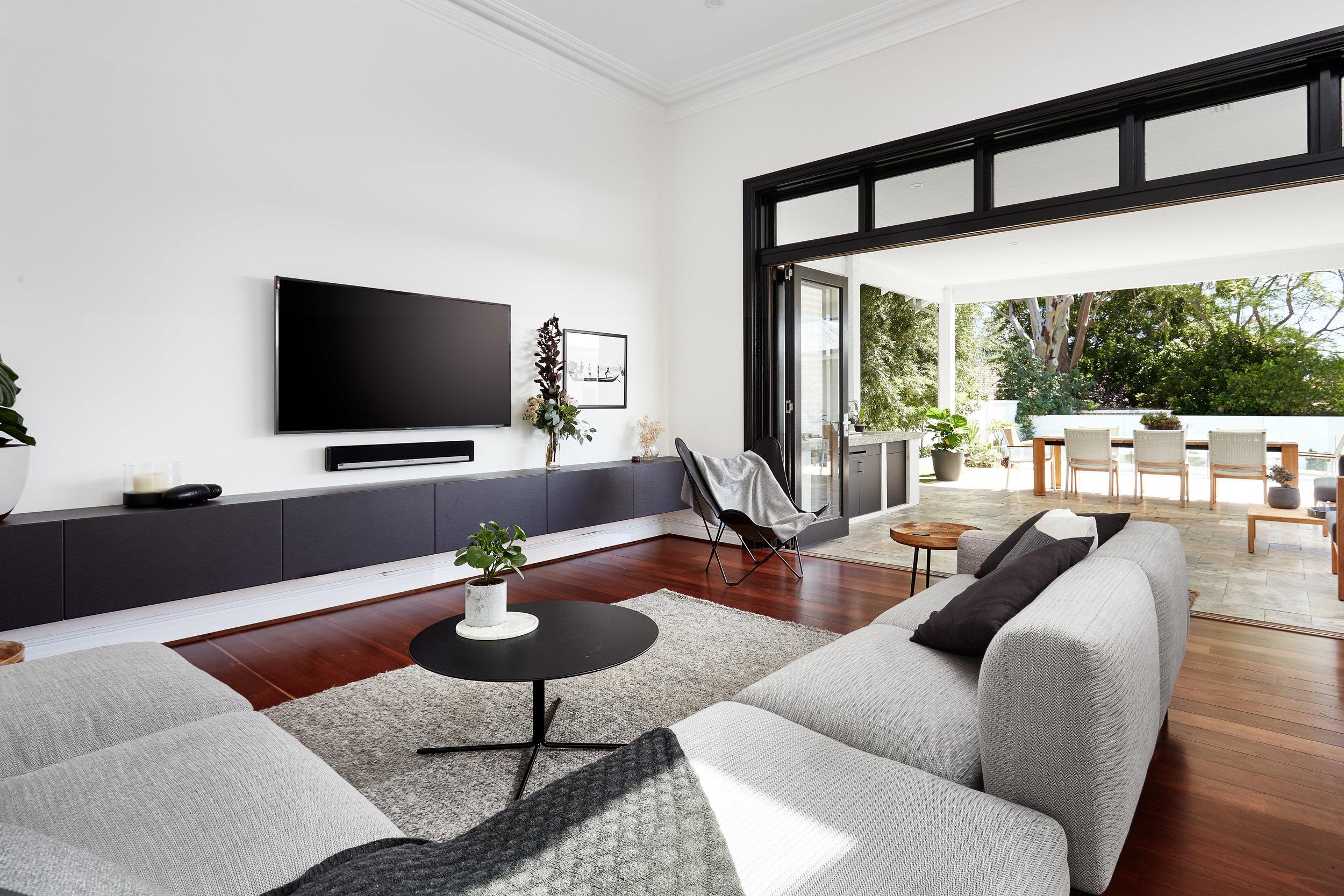 Una casa contemporanea con il tetto piano for Hi res interior design images