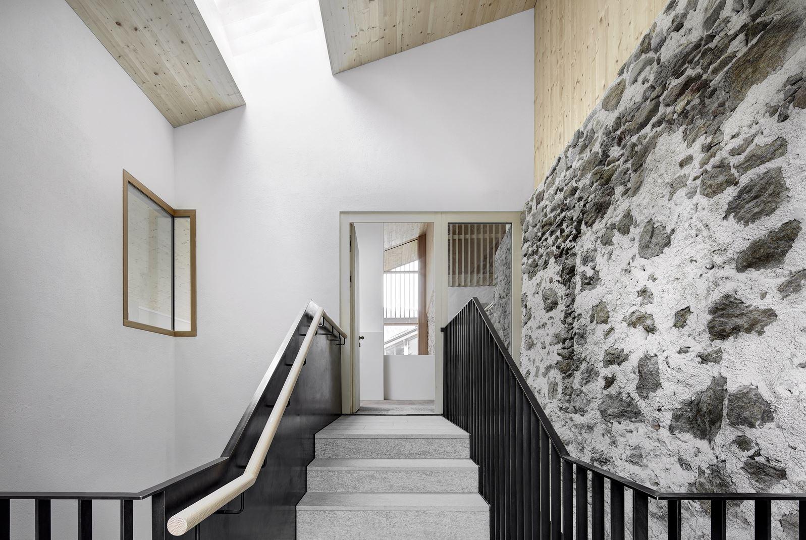Quanto Costa Ristrutturare Una Stalla un antico maso si trasforma in tre appartamenti di montagna