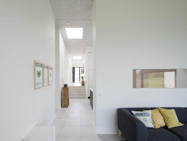 Il collegamento tra i vari locali è illuminato da due finestre per tetti