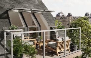 terrazza con piante verdi