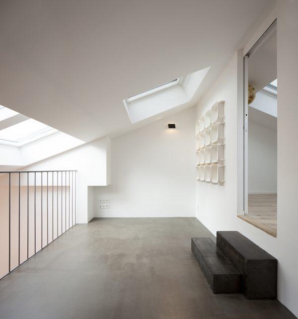 Il soppalco con le finestre per tetti