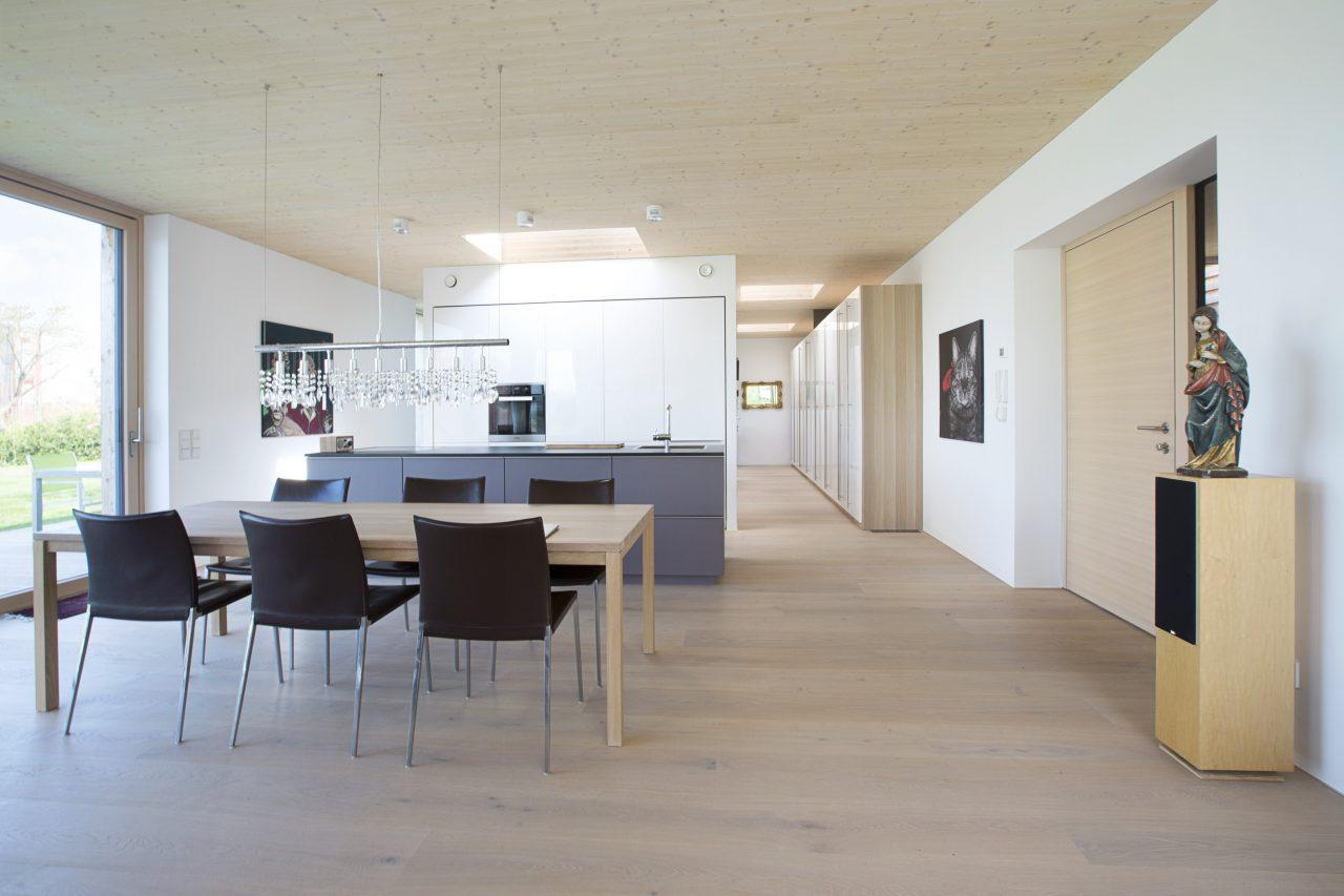 Un casa singola dal tetto piano for Piani casa linea tetto singolo