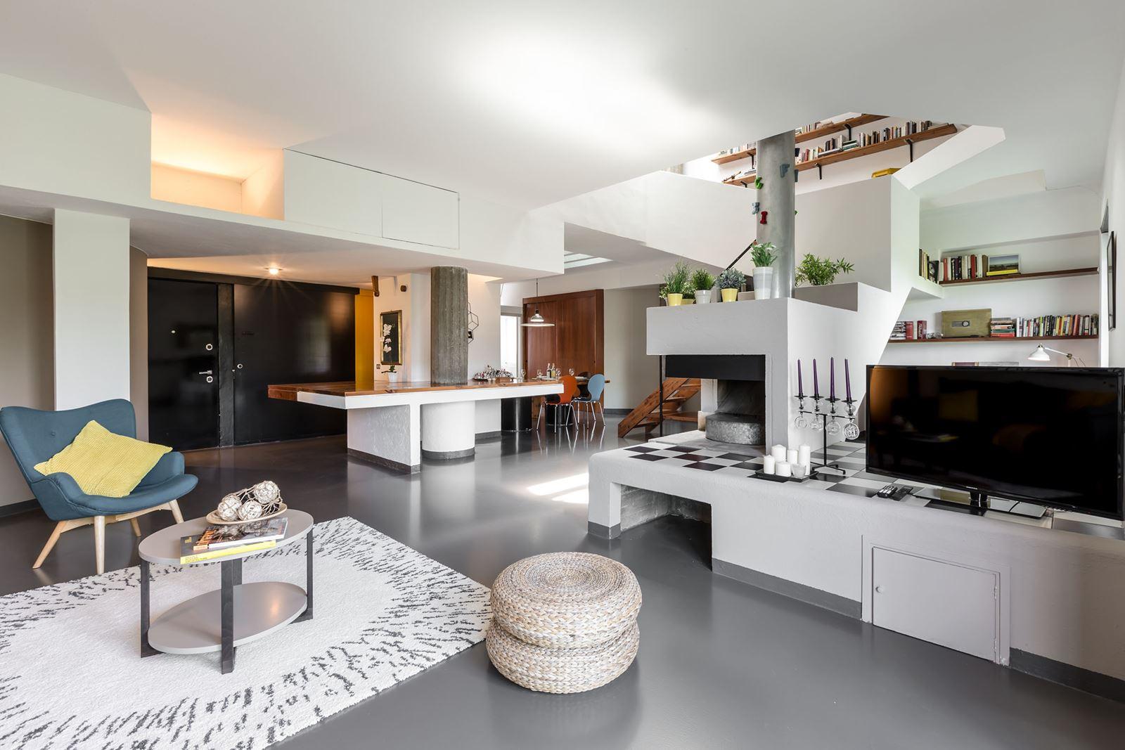 Intervento di restyling di un attico a milano for Piani a pianta aperta