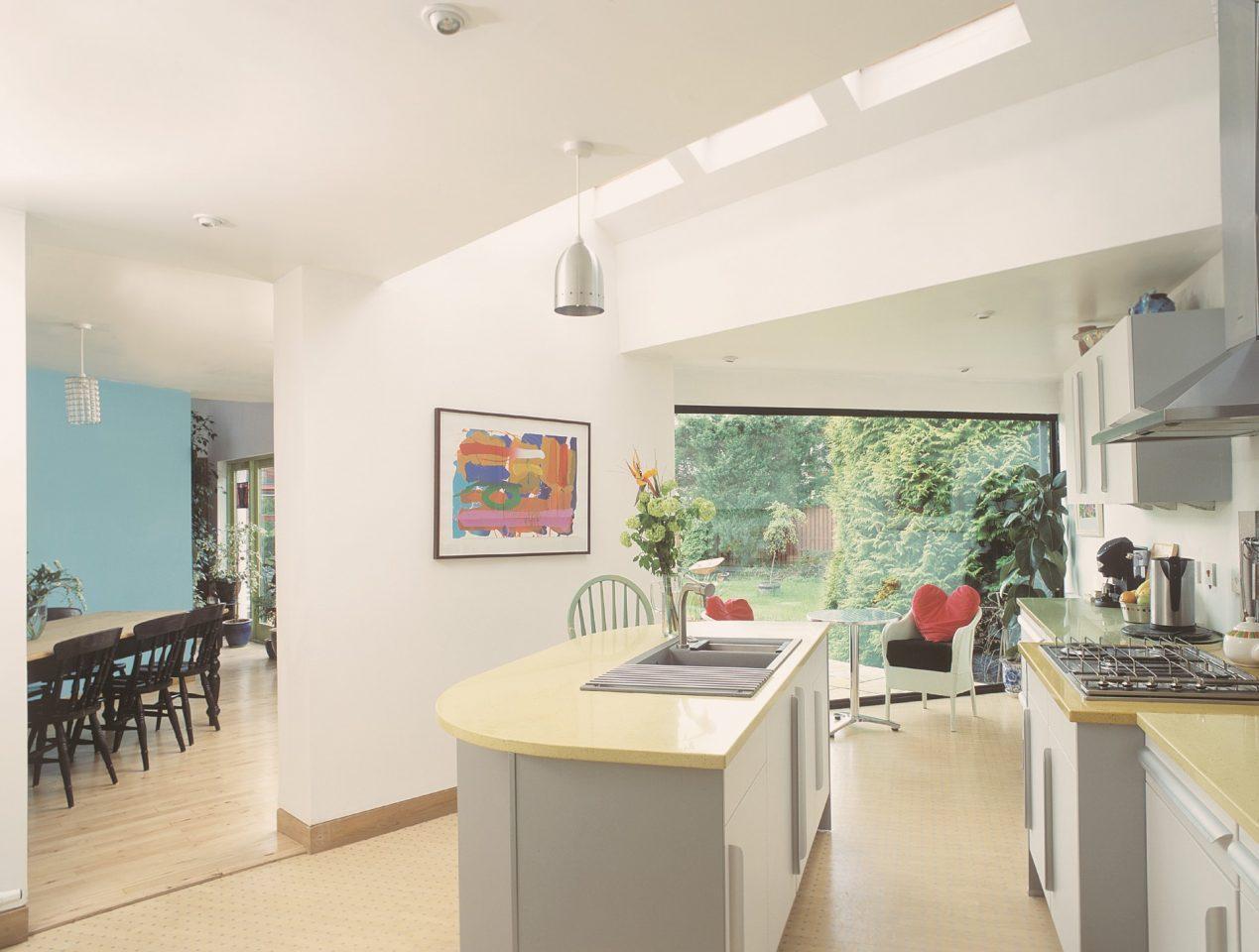 Cucine Per Mansarde Basse. Affordable Studio O Camera Aggiuntiva Nel ...