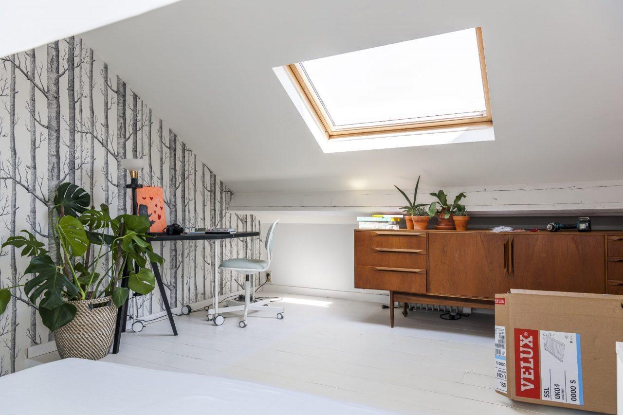Lavori in mansarda a primavera sostituire le vecchie finestre per tetti - Sostituzione finestre detrazione ...