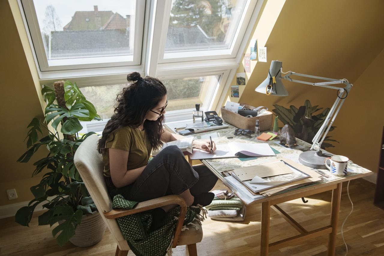 studio con finestre