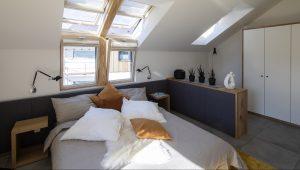camera da letto con finestre