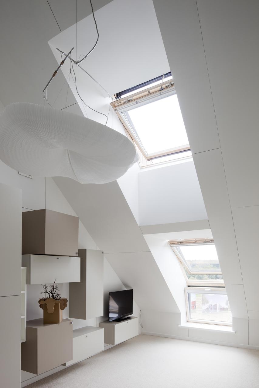 soggiorno con combinazione di finestre