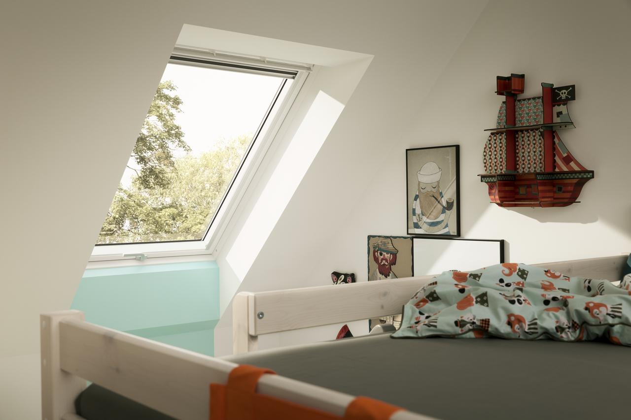 4 ragioni per aggiungere finestre per tetti alla cameretta for Faelux srl finestra per tetti