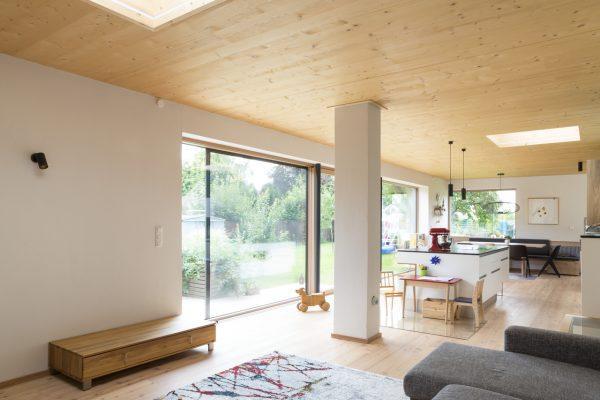 Un open space con tetto piano