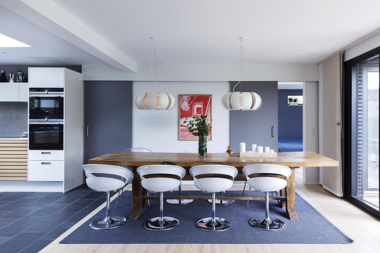 La ristrutturazione di una casa con tetto piano for Casa moderna con tetto in legno