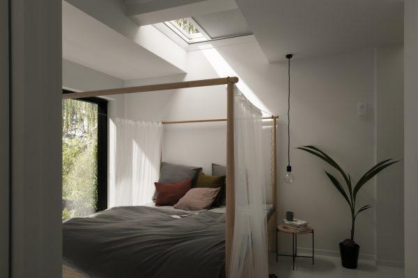 Luce dall'alto con una finestra per tetti piani