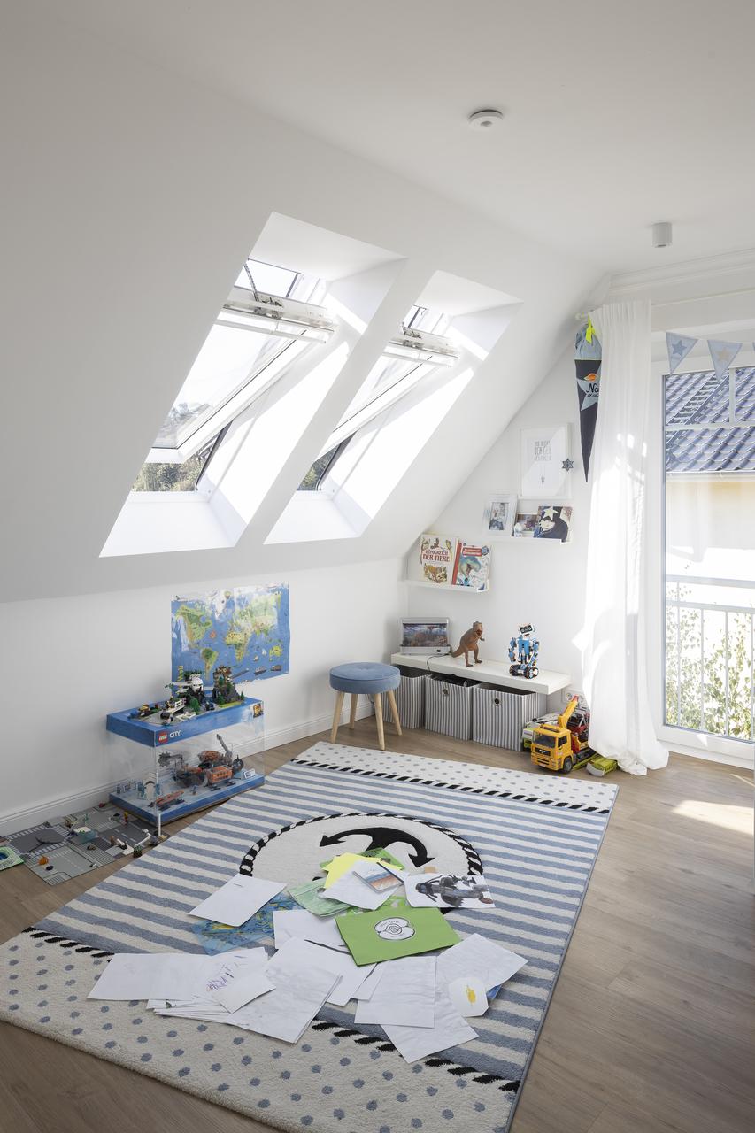 stanza giochi con finestre