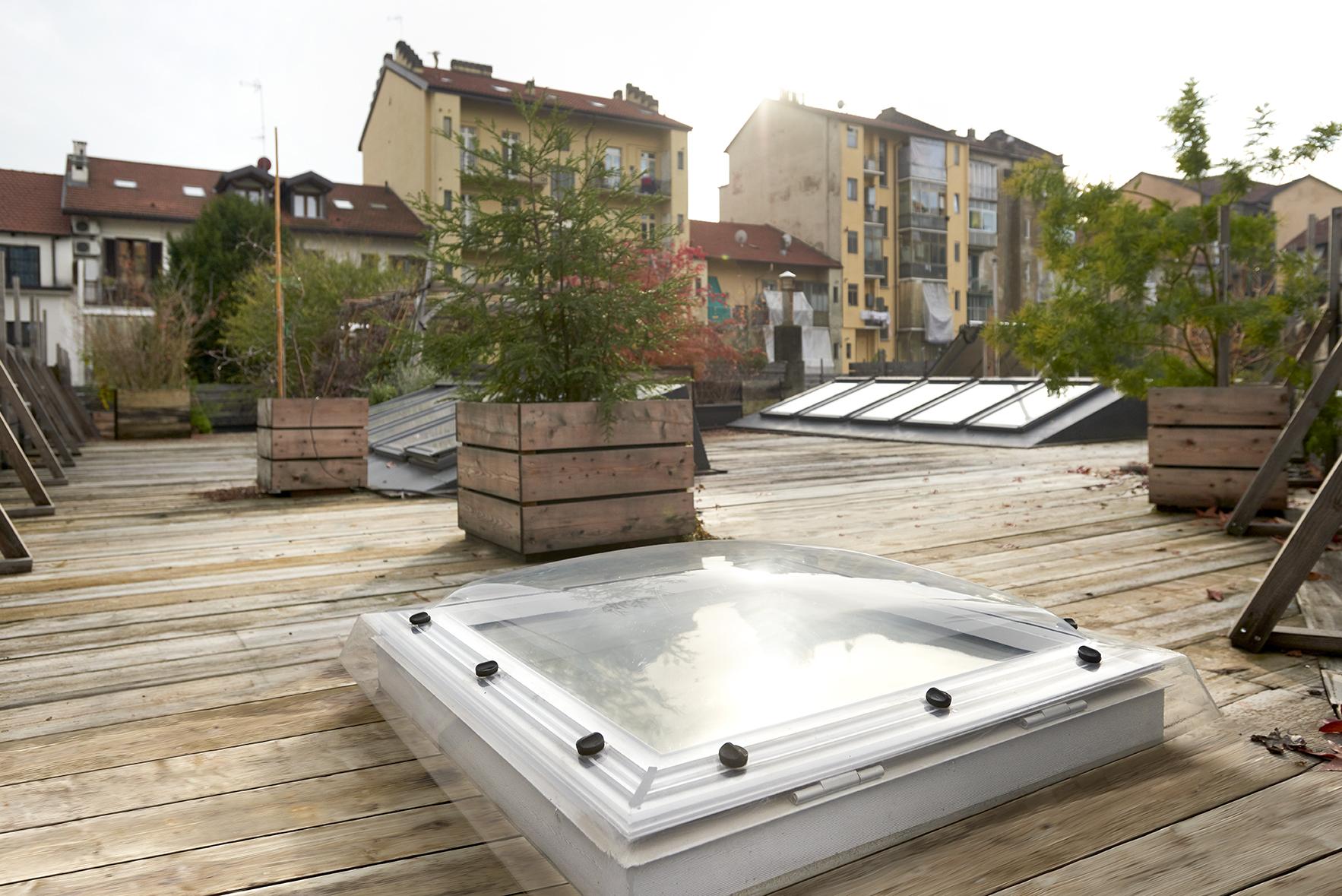 terrazza con finestre