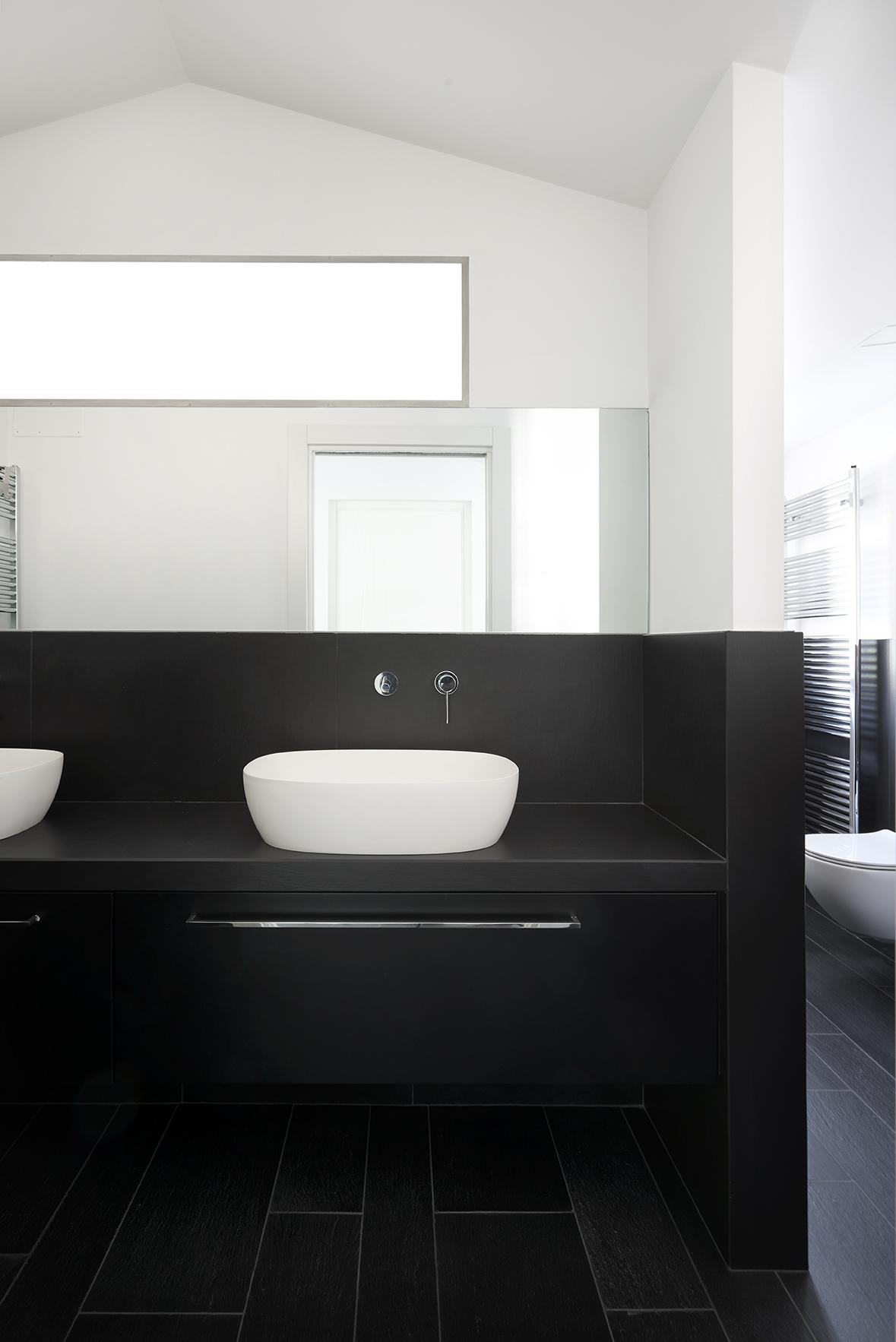 bagno con lavandini